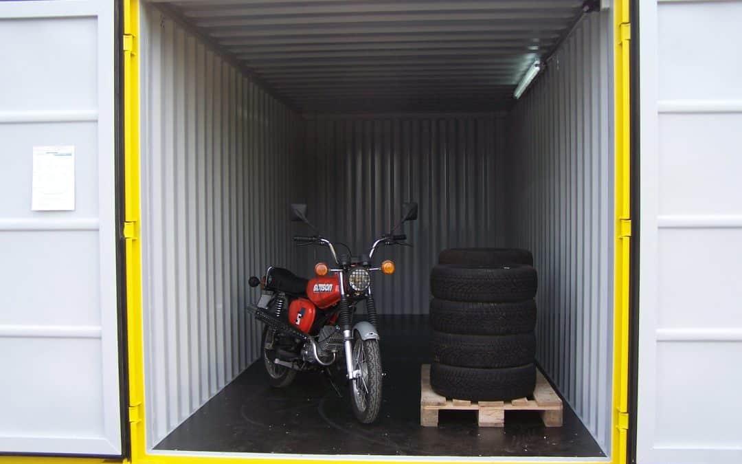 Uskladnění nábytku adalší věcí ve skladovacích kontejnerech
